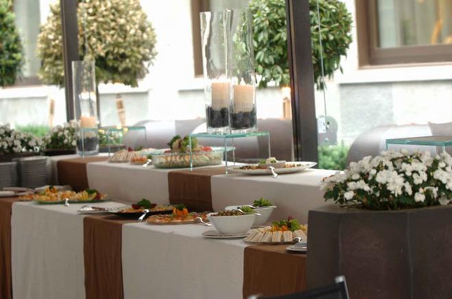 阿莱格罗塔利亚金色宫殿酒店 - 都灵 - 自助餐