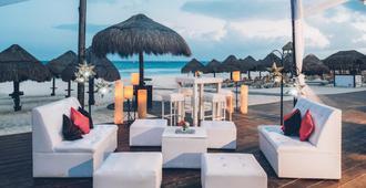 伊贝罗斯塔图坎酒店 - 卡门海滩 - 阳台