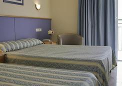 Hotel Playasol Maritimo - 伊维萨镇 - 睡房