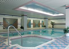 卡地亚广场套房酒店 - 渥太华 - 游泳池