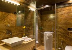 比兹酒店 - 拉杰果德 - 浴室