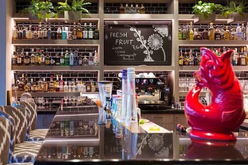 欧斯特布里克塔德酒店 - 塞巴特黑灵斯多夫 - 酒吧