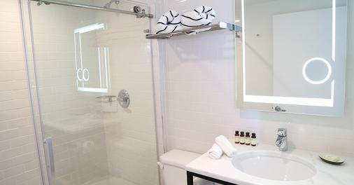梅里迪安城市酒店 - 迈阿密海滩 - 浴室