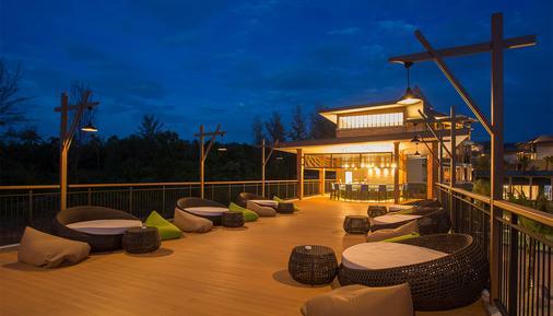 麦考叻克海滩Spa度假酒店 - 拷叻 - 酒吧