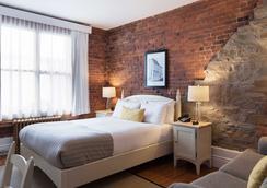 乐圣皮埃尔酒店 - 魁北克市 - 睡房