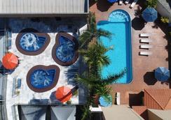 伯格里酒店 - 伊瓜苏 - 游泳池