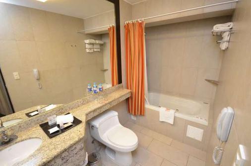 利马优质酒店 - 利马 - 浴室