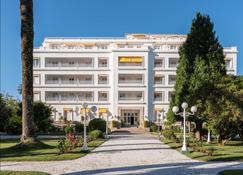 拉托哈欧洲之星大酒店 - 格罗韦 - 建筑