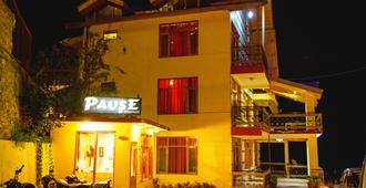 马拉里停留酒店 - 马纳里 - 建筑