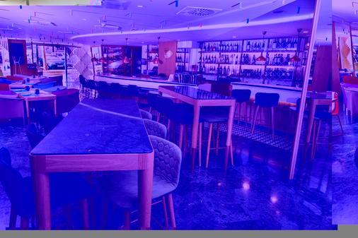 美利亚巴塞罗那萨里亚酒店 - 巴塞罗那 - 酒吧