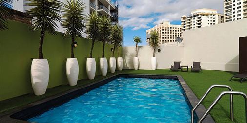 悉尼韦伯酒店 - 悉尼 - 游泳池