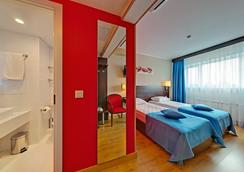 塞瓦斯托波尔摩登酒店 - 莫斯科 - 睡房