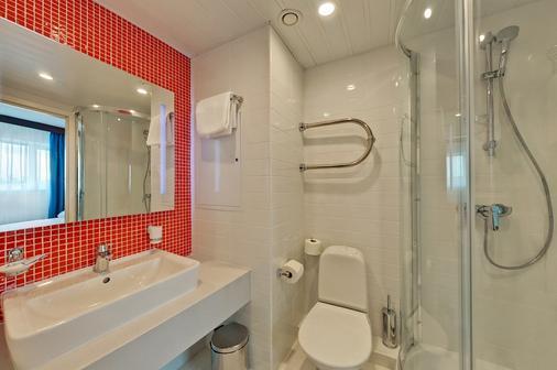 塞瓦斯托波尔摩登酒店 - 莫斯科 - 浴室