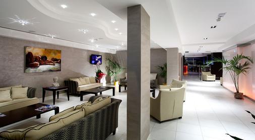 特米那尔温泉皇宫酒店 - 里米尼 - 休息厅