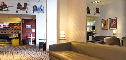 盖特威克机场酒店 - 霍利 - 客厅