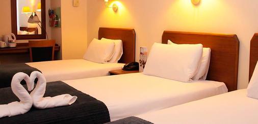 盖特威克机场酒店 - 霍利 - 睡房