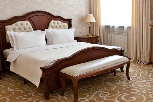 格兰德霍尔酒店 - 叶卡捷琳堡 - 睡房