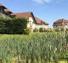 城堡连锁陶瓷与水疗庄园酒店
