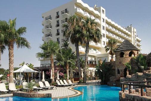 劳德斯海滩酒店 - 拉纳卡 - 建筑