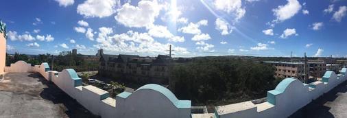 Ypao Breeze Inn - 关岛 - 户外景观