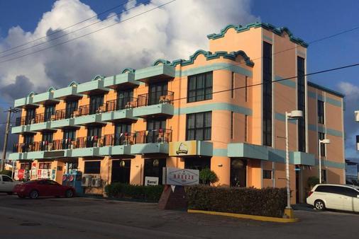 Ypao Breeze Inn - 关岛 - 建筑