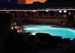 索弗布雷特海滨酒店 - 登高精选酒店成员 - 弗吉尼亚海滩 - 游泳池