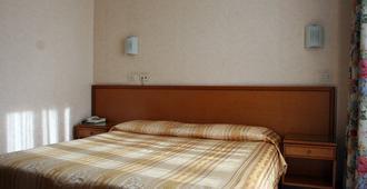 西塔2000酒店 - 罗马 - 睡房