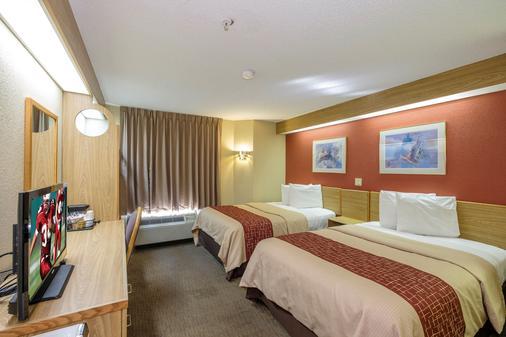 彭萨科拉展览中心红屋顶汽车旅馆 - 彭萨科拉 - 睡房