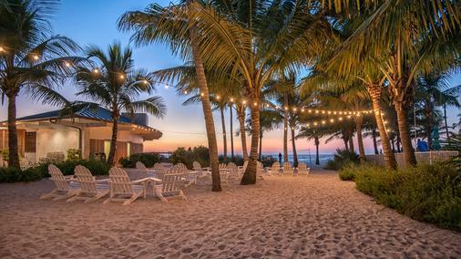 那不勒斯海滩酒店和高尔夫俱乐部 - 拿坡里 - 露台