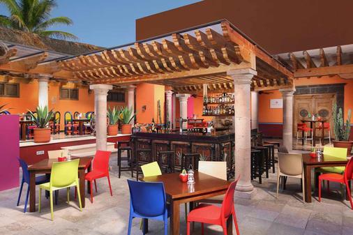 金字塔绿洲度假村 - - 坎昆 - 酒吧