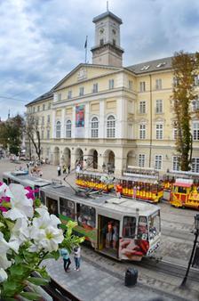 广场旅馆 - 利沃夫