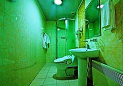 凯撒酒店 - 乌兰巴托 - 浴室
